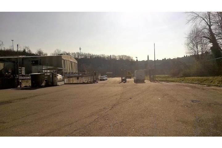 Varese affittiamo capannone commerciale for Affitto commerciale
